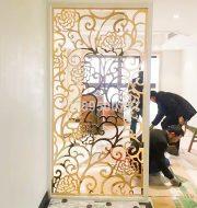 Vách ngăng bếp và phòng khách CNC mạ vàng